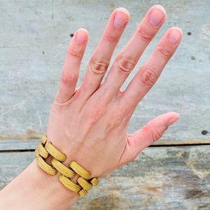 ♥️ Monet ♥️ Vintage Gold Bracelet